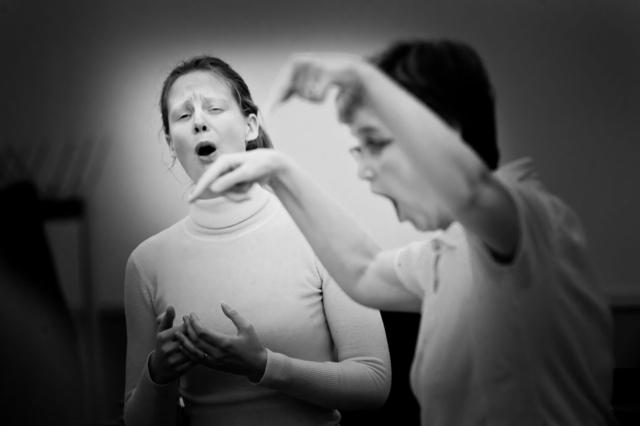 Samuel Dietz, Francija/France: Mother and daughter, 2011, Ensemble Vocal Claire Garrone – Sabine Garrone, Mezzo-Soprano, Claire Garrone, the director