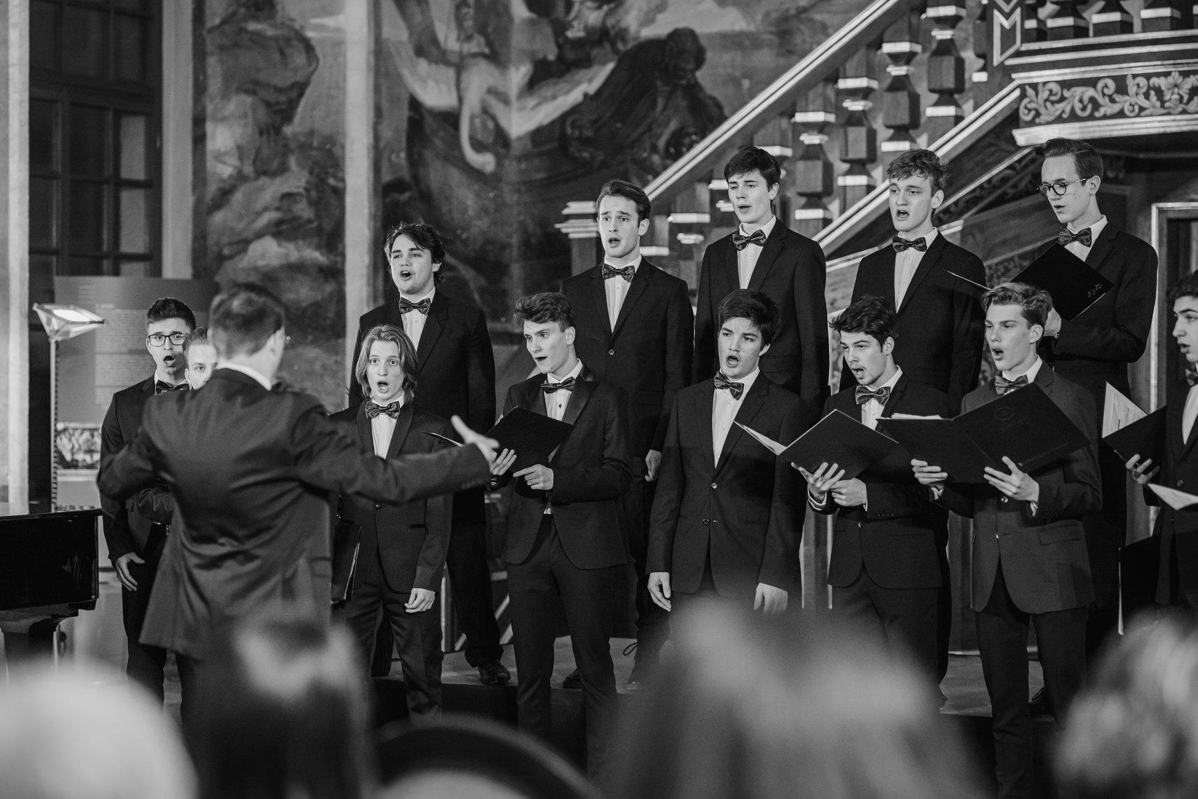 Nika Kink, Slovenija/Slovenia: Objemi to, kar ljubiš zdaj, 2020, Vokalna skupina Ivana Cankarja, Slovenija / Embrace what you now love, 2020, Vocal group Ivan Cankar, Slovenia