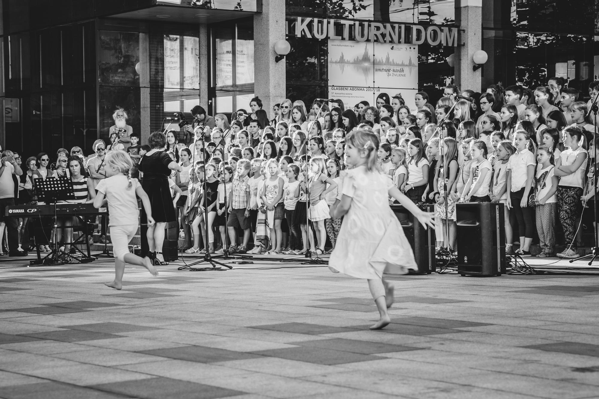 Mateja Pelikan, Slovenija/Slovenia: Zapojmo našemu mestu I, 2017, Združeni zbori Goriške, Slovenija / Sing to our City I, 2017, United choirs of the Goriška region, Slovenia