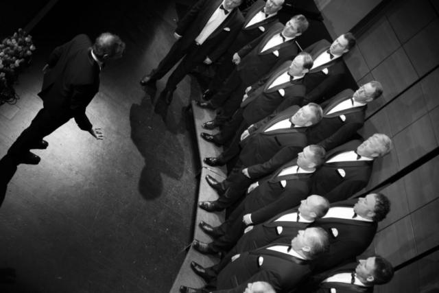 Jernej Skrt, Slovenia: XY, 2019, Men's choir Srečko Kumar Kojsko, Slovenia - A firm hand can keep the choir in order. Choral review of the Gorizia region in Deskle culture centre.