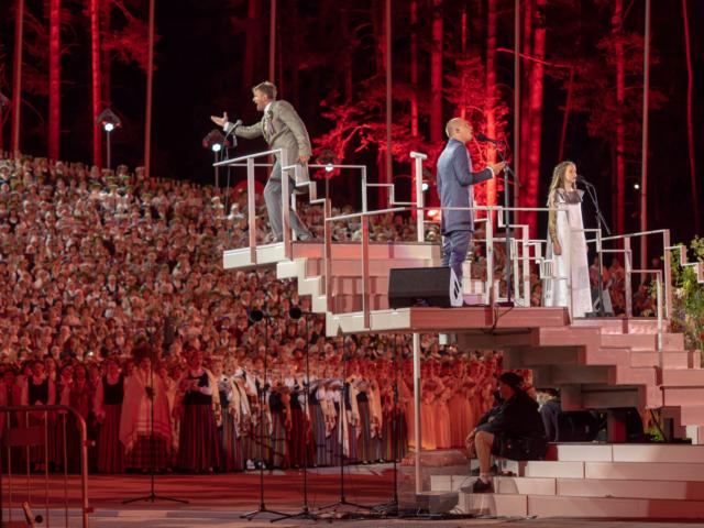 Valdis Ošiņš, Latvia: Song, 2018, United Choir of Song Celebration, Latvia - United Choir on stage of XXVI Latvian Nationwide Song Celebration in Mežaparks Great Bandstand. Conductor Ints Teterovskis, soloists Alberta Godiņa and Artūrs Šingerejs.